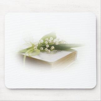 le muguet avec la bible tapis de souris