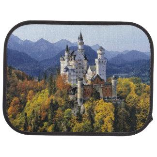 Le Neuschwanstein de fantaisie est l'un de trois Tapis De Voiture