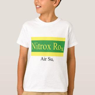 Le Nitrox Rox badine le T-shirt