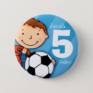 Le nom et l'âge 5 du football/football se badge