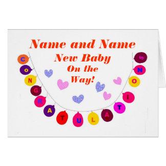 Le nouveau bébé sur le chemin, félicitations, carte de vœux