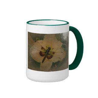 Le nouveau jour fait du jardinage style Antiqued Mug Ringer