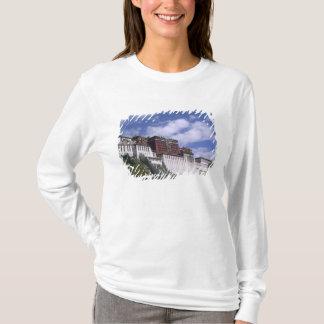 Le Palais du Potala sur la montagne la maison du T-shirt