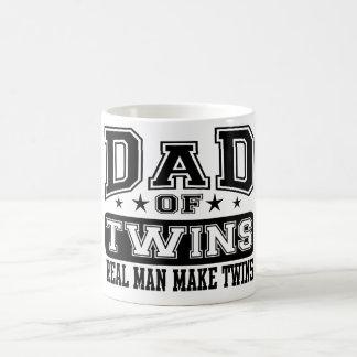 Le papa du vrai homme de jumeaux font des jumeaux mug blanc