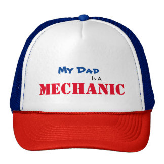 Le papa est un casquette de mécanicien