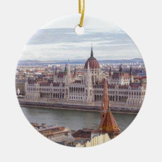 Le Parlement hongrois Budapest par jour Ornement Rond En Céramique