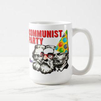 Le parti communiste charrient la tasse drôle