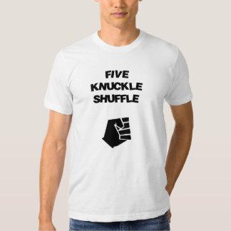 Le pas traînant de cinq articulations t-shirt