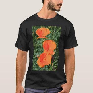 Le pavot de Californie fleurit le T-shirt