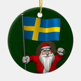 Le père noël avec le drapeau de la Suède Ornement