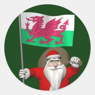 Le père noël avec le drapeau du Pays de Galles Autocollant Rond