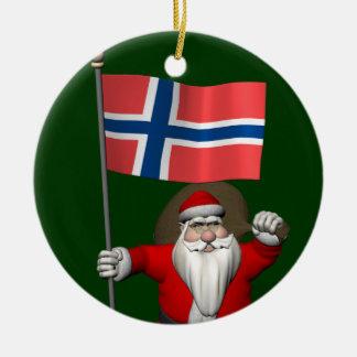 Le père noël drôle avec le drapeau de la Norvège Ornement Rond En Céramique