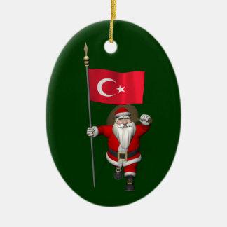 Le père noël drôle avec le drapeau de la Turquie Ornement Ovale En Céramique