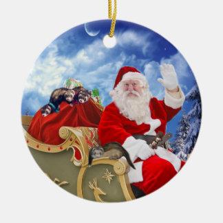 Le père noël et son ornement de Noël de furets