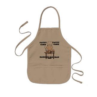 Le petit homme de boulangers badine le tablier
