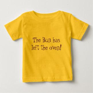 Le petit pain a laissé le four ! t-shirt pour bébé