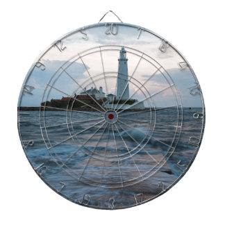 Le phare de Mary de saint à la baie de Whitley Jeu De Fléchettes