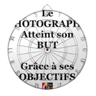 Le PHOTOGRAPHE atteint son BUT grâce à ses OBJECTI Jeu De Fléchettes