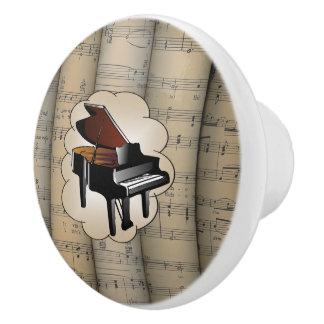 Le piano sur le ~ de nuage a roulé le ~ d'arrière bouton de porte en céramique