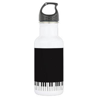 Le piano verrouille la bouteille d'eau