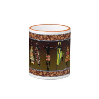 Le pied tribal africain frappent du pied tasses à café