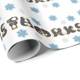 Le pingouin remercie l'enveloppe de flocon de papiers cadeaux noël