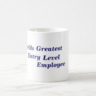 Le plus grand employé de niveau d'entrée des mug
