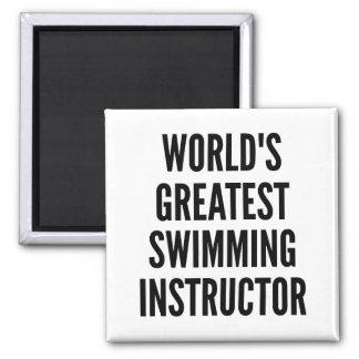 Le plus grand instructeur de natation des mondes aimant