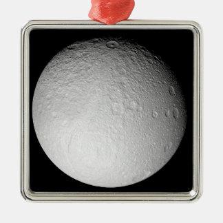 Le Pôle du sud de la lune Tethys de Saturn Ornement Carré Argenté