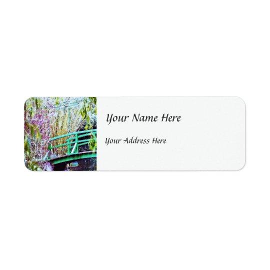 Le pont de Monet avec des fleurs Étiquette D'adresse Retour