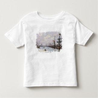 Le port t-shirt pour les tous petits