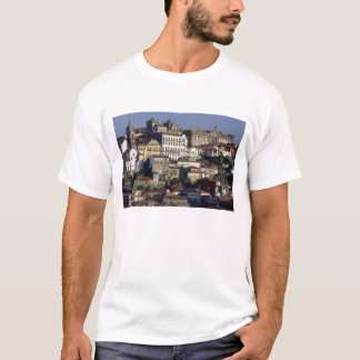 Le Portugal, Porto (Porto). Maisons historiques et T-shirt