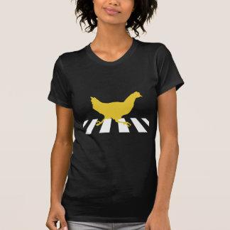 Le poulet traverse la route t-shirt