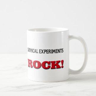 Le produit chimique expérimente roche tasses