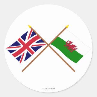 Le R-U et les drapeaux croisés par Pays de Galles Adhésif Rond