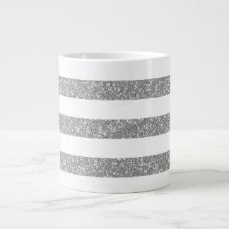 Le regard de scintillement d'étincelle barre la ta mug