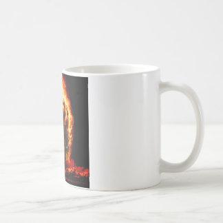 Le résumé colore le crâne de l'enfer mug