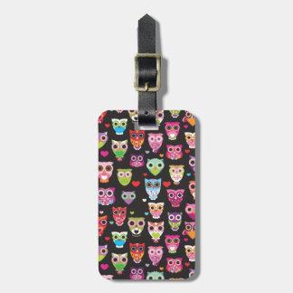 Le rétro motif mignon de hibou a illustré la caiss étiquettes bagages