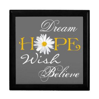 Le rêve, espoir, souhait, croient le souvenir ou grande boîte à bijoux carrée