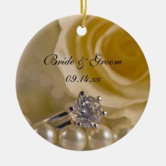 Le rose blanc et les perles vous veulent soient ma ornement rond en céramique