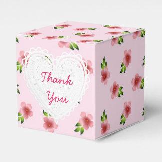 Le rose fleurit la boîte à petit gâteau boite de faveur