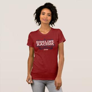 Le rouge/marine des femmes de T-shirt de racisme
