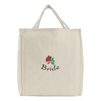 Le sac fourre-tout de la jeune mariée brodée avec sac brodé