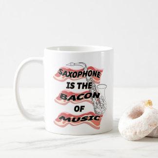 Le saxophone est le lard de la musique mug