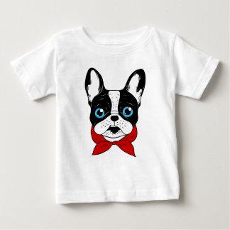 Le scout mignon de Frenchie est prêt pour son T-shirt Pour Bébé