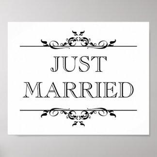 Le signe d'appui vertical de photo de mariage a ju posters