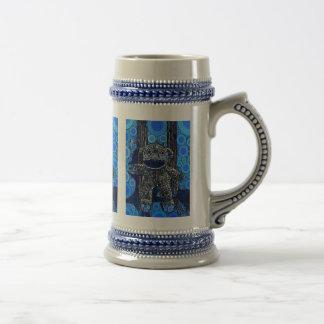 Le singe bleu génial de chaussette entoure l'art chope à bière