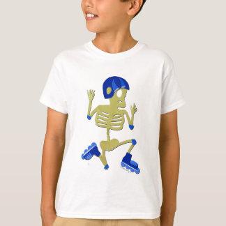 Le squelette fait du roller dessus le T-shirt