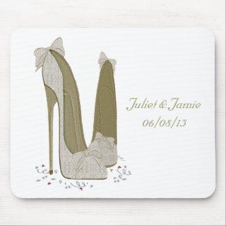 Le stylet de mariage chausse des cadeaux d art tapis de souris