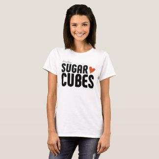 Le sucre cube le T-shirt de base des femmes